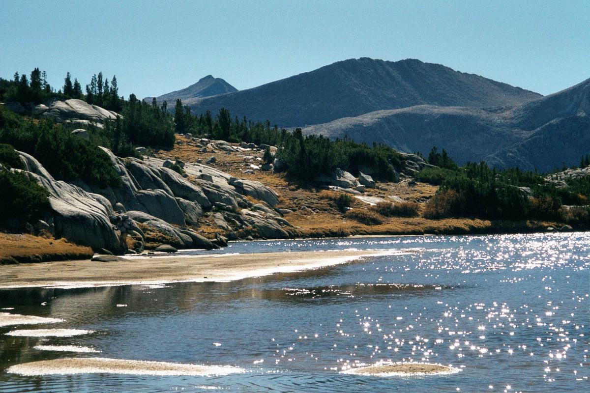 http://www.tumtum.com/climbing/trips/Sierra01_images_full/Sierra01_129_SparklingWater.jpg